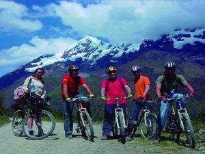 Inka Jungle Machu Picchu 4dias: Este tour alternativo es considerado uno de los más bellos y completos para llegar a la ciudadela inca de Machu picchu y es flexible ya que en su trayecto se pueden hacer deporte de aventura y también es una ruta o camino menos explorada para llegar a la ciudad inca de Machupicchu.