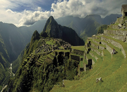 travel machu picchu by train