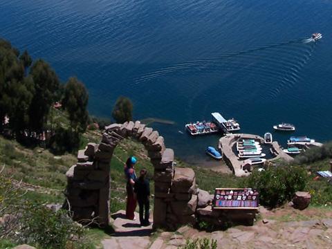 tour puno lake titicaca 2 dias toursperumachupicchu.com