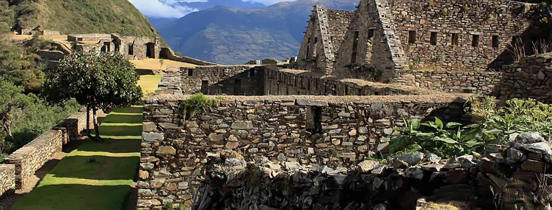 Viaje a Choquequirao Trek 4 dias - TOURS PERU MACHU PICCHU