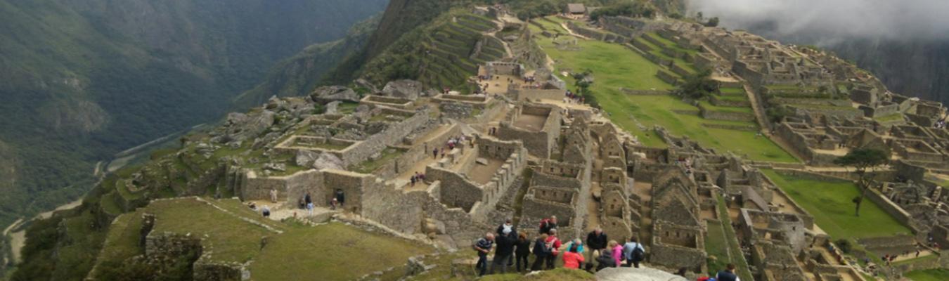 Viaje a Machu Picchu by Car 2 dias toursperumachupicchu.com