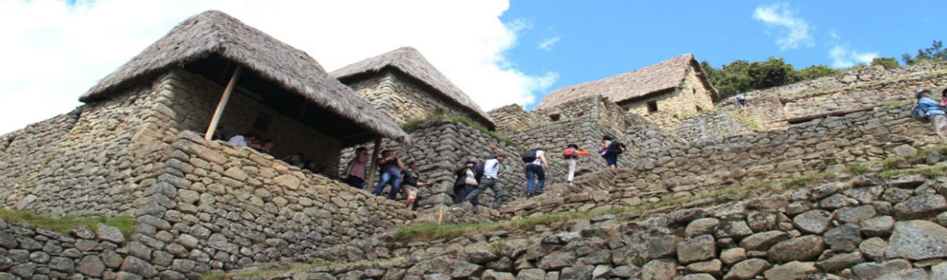 Viajes Machu Picchu en Bus 2 dias + montaña Huaynapicchu